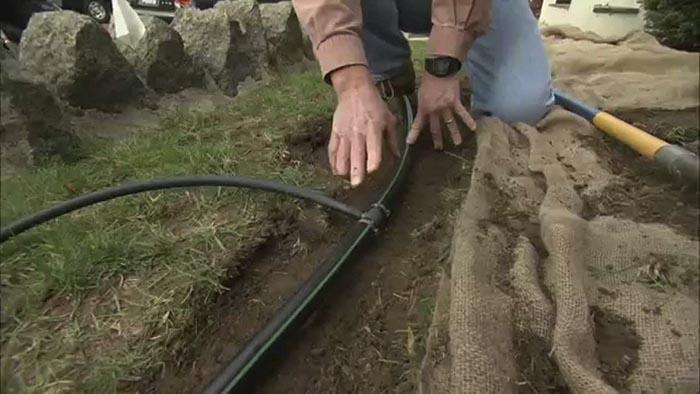 Lắp đặt hệ thống tưới đường dẫn ống